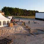 Sunbounce Lounge mit Großbildleinwand